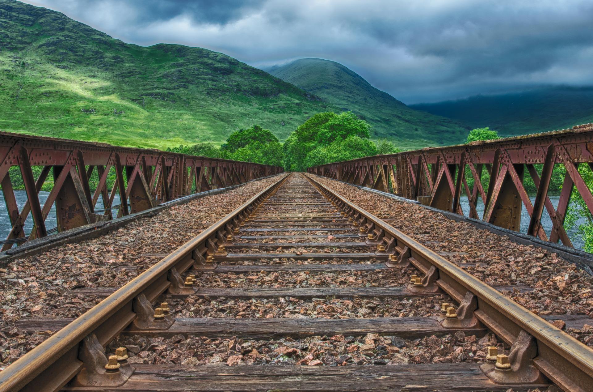 Uma das melhores experiências que o turista pode ter é viajar de trem por UK