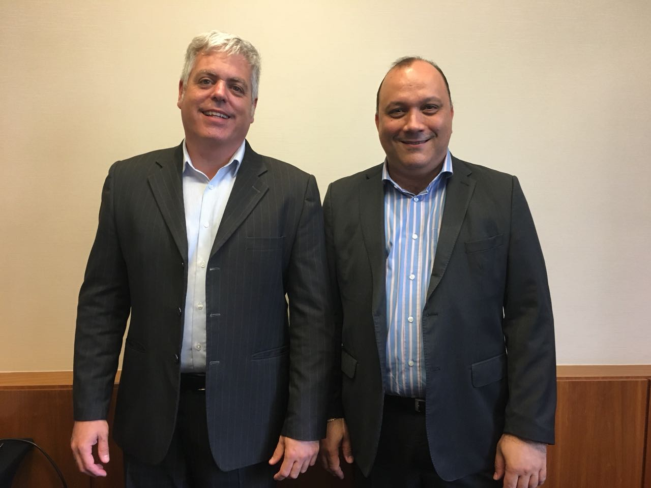 Ricardo Domingues e Alberto Cestrone, presidente da ABR