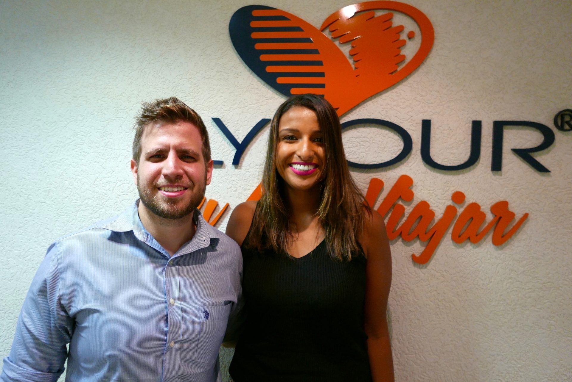 Eduardo Vansan, gerente geral da Flytour Viagens-BHZ e Rosana Sousa, a mais nova profissional a fazer parte da equipe mineira
