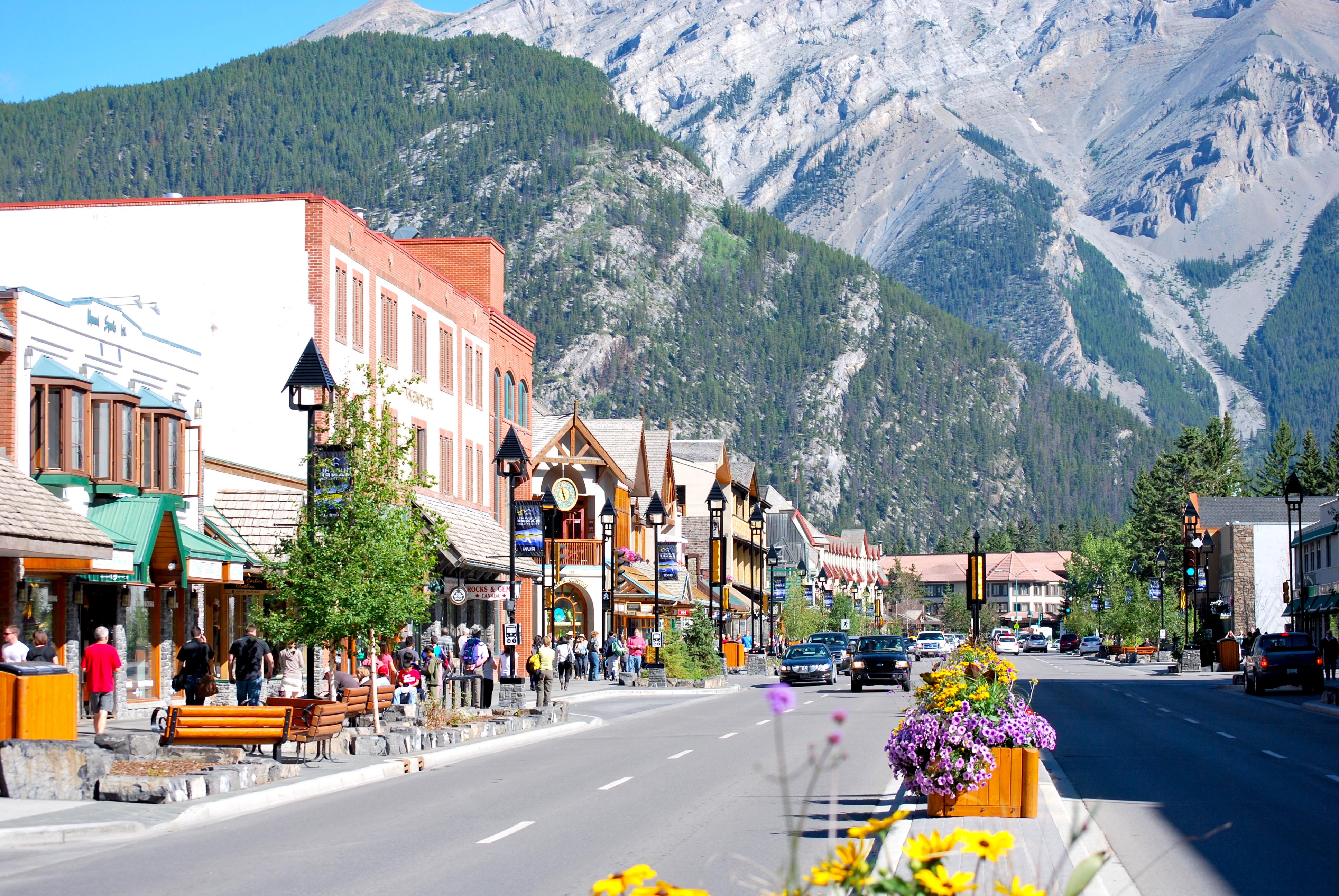 Durante a primavera, o verão, ou em qualquer estação, Banff esbanja beleza e hospitalidade