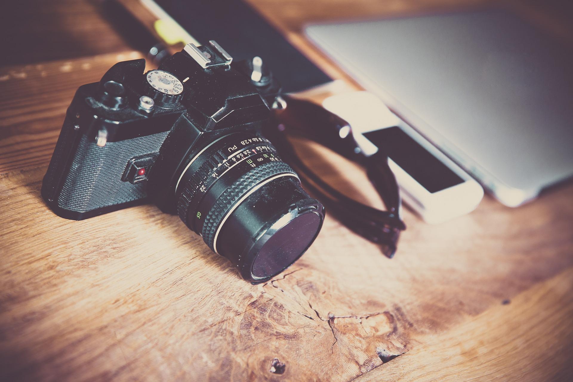 Assim como câmera fotográfica, notebook pessoal, seja novo ou usado, é considerado bagagem e não precisa de nota fiscal