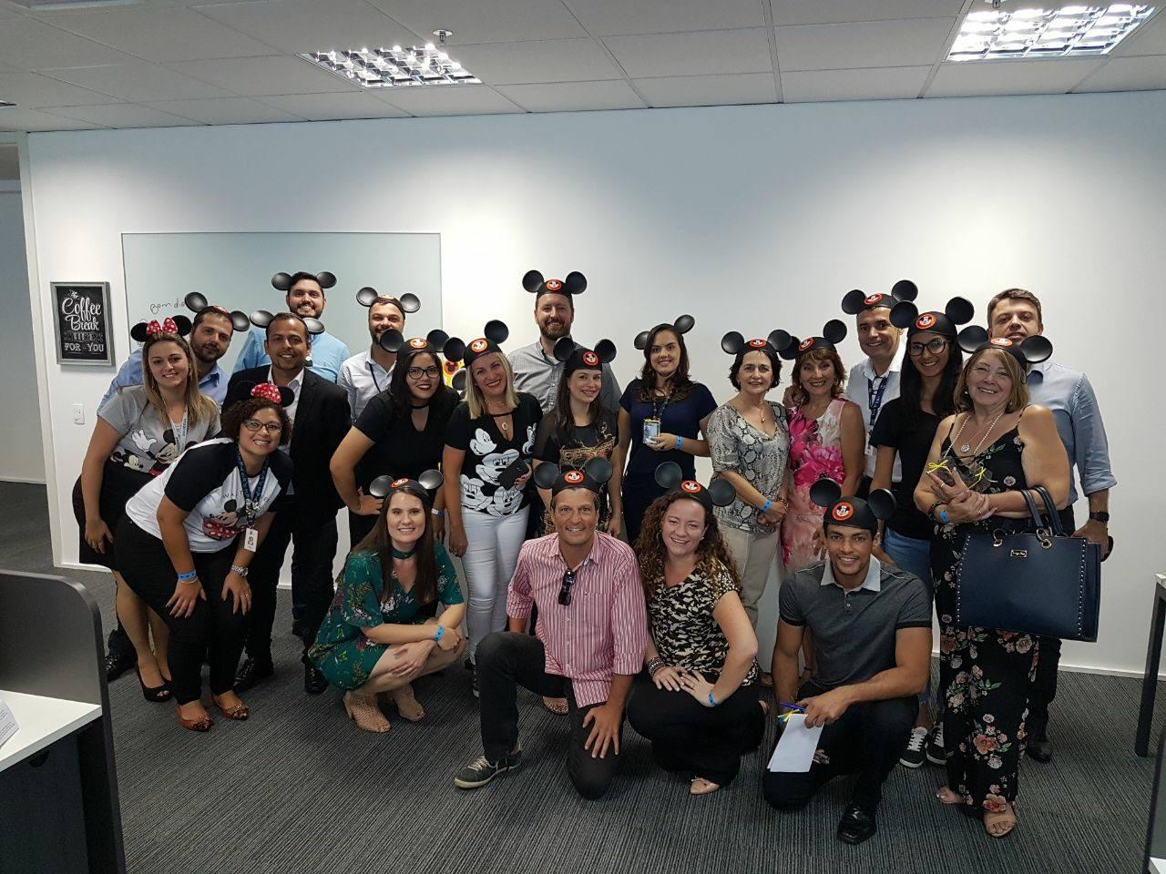 Na sede da MMTGapnet em São Paulo, o clima do Disney Day contagiou os participantes da capacitação (Foto: Divulgação)