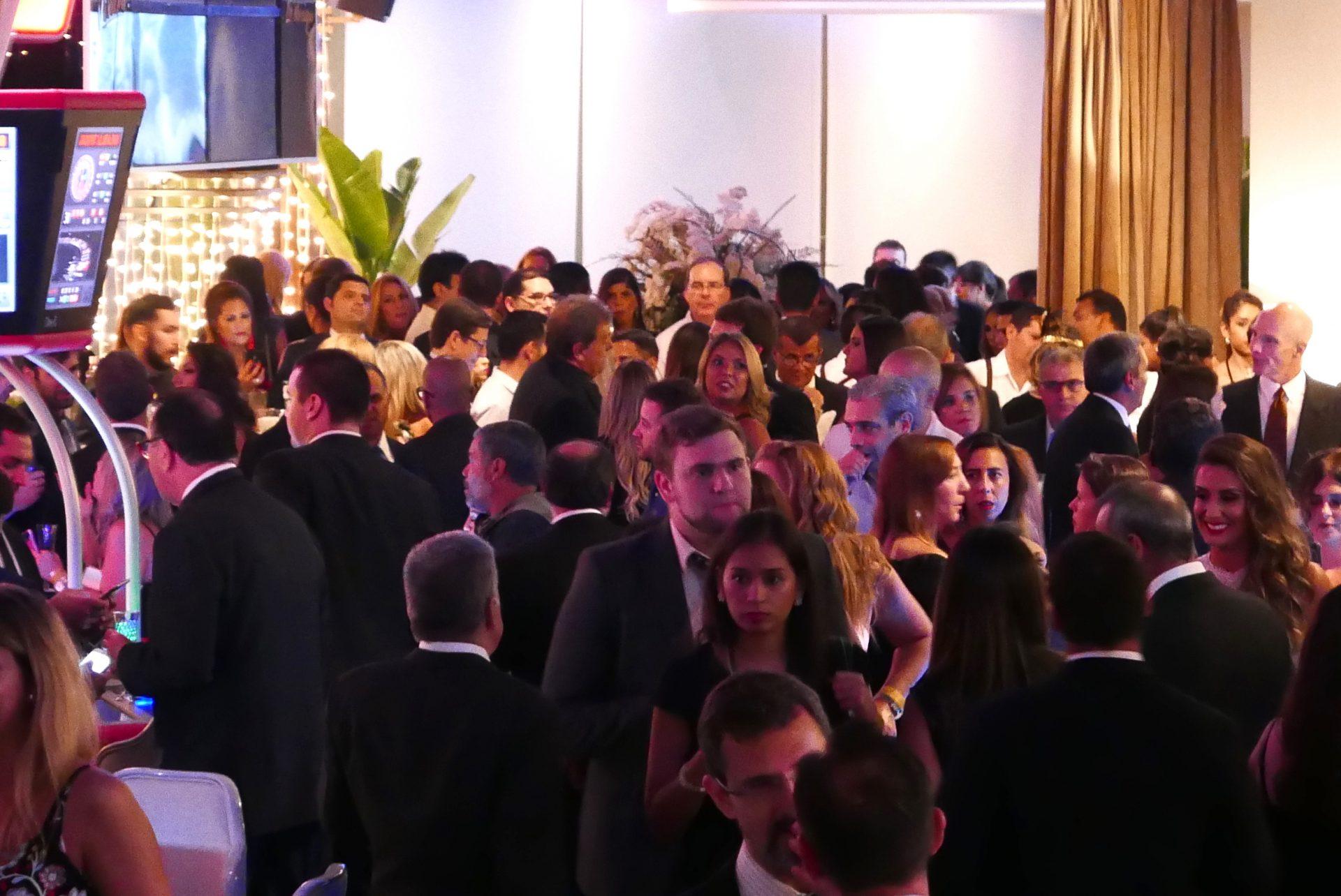 Ambiente do Cassino Vivant durante a festa de inauguração