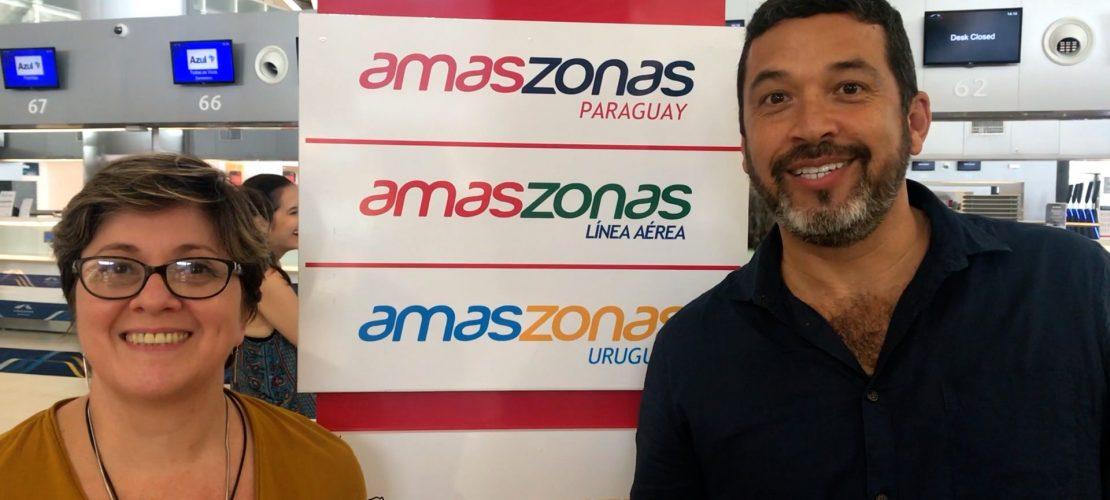 Jorge Souza e Nadia Kardouss no check-in da Amaszonas del Paraguay, em Campinas