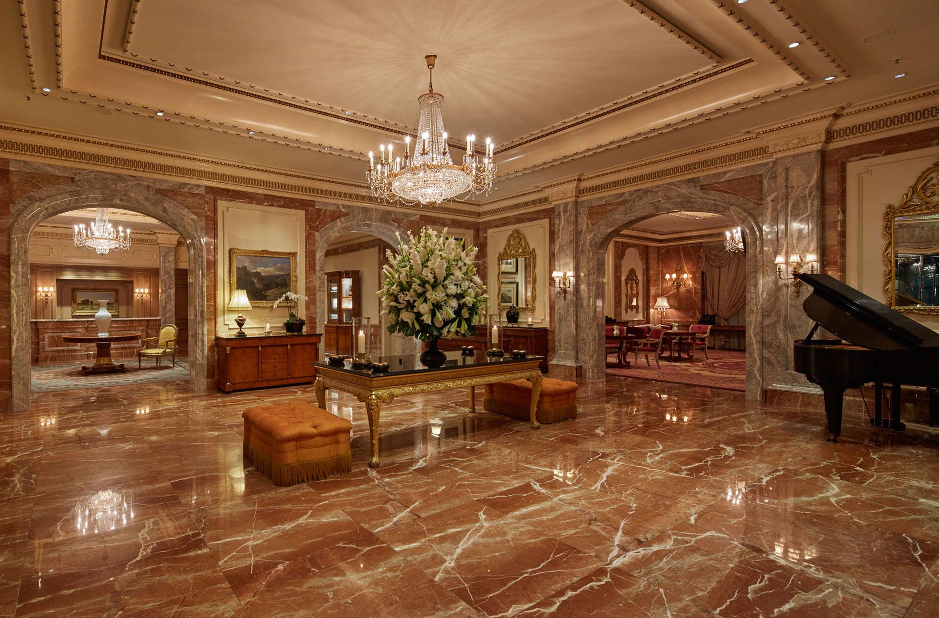 Decoração clássica e linhas sóbrias são a marca registrada dos hotéis Regent