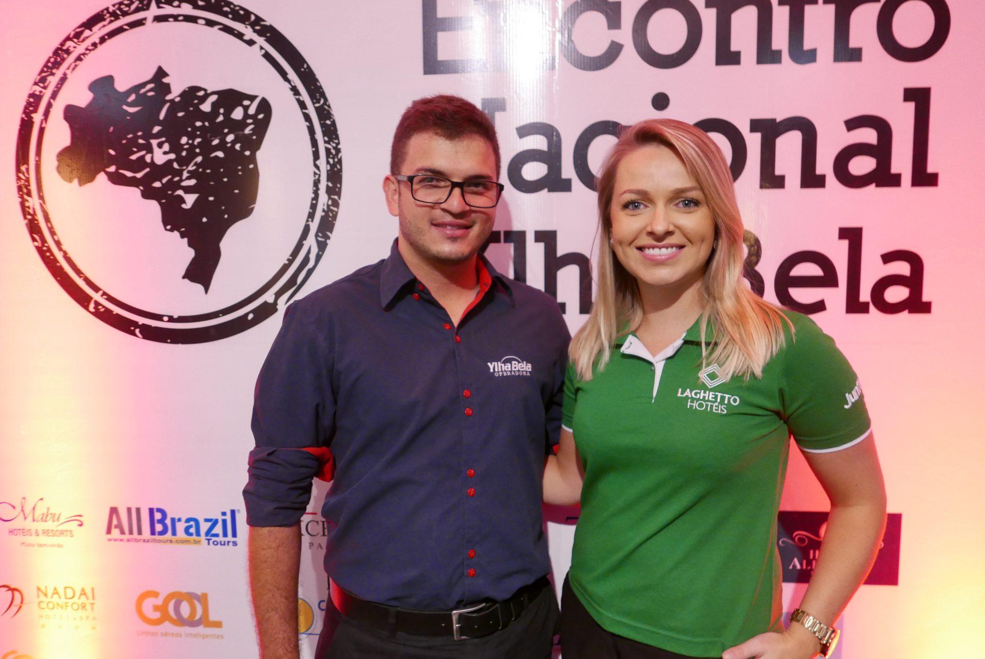 Vinícius Arêdes, gestor de marketing da Ylha Bela Operadora, e Lilian Zimmer, da Laghetto Hotéis