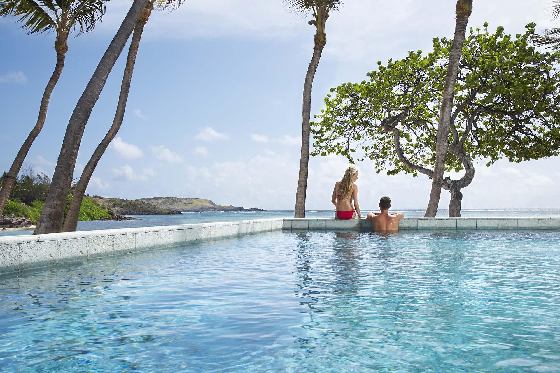A cinematográfica piscina do Le Sereno é o cartão de visita do sofisticado hotel