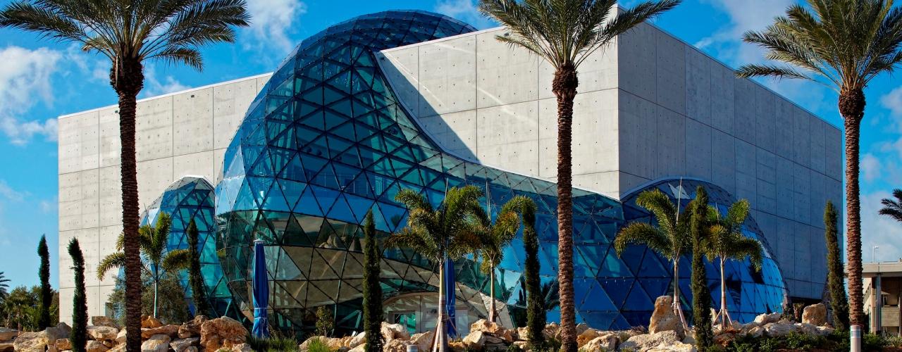 Museu Salvador Dali Cultura cervejeira cresce, ganha adeptos e se torna uma atração na Flórida