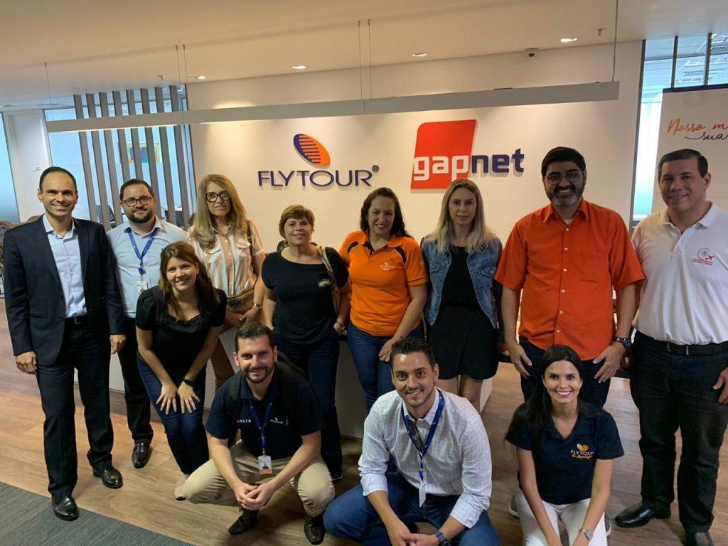 Grupo Flytour promove