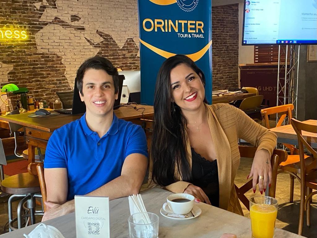 Rafael Nunes, da Milu Travel, e Yana Nunes, Aquarius Viagens